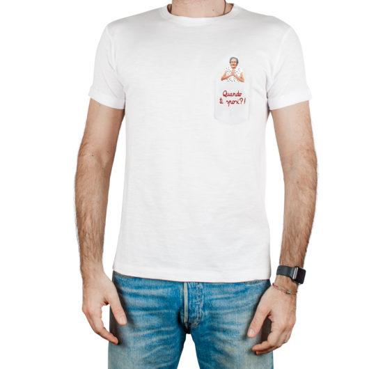 T-Shura maschio cocco di nonna - maglietta con frase nonna nel taschino Quando ti sposi? ricamata in bordeaux t-sciura
